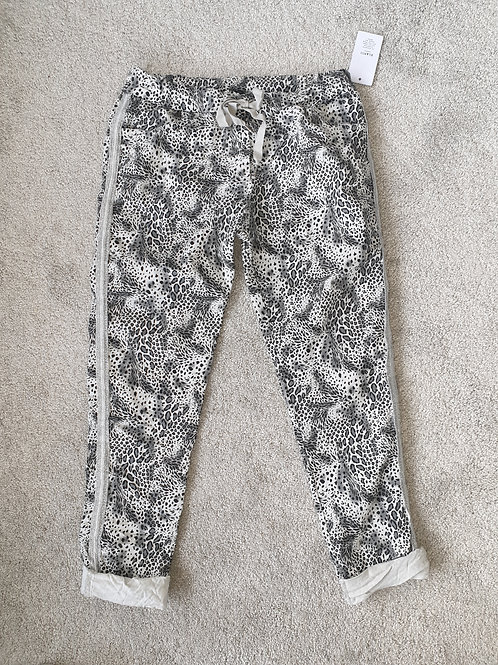 Great snake effect soft feel denim jogger