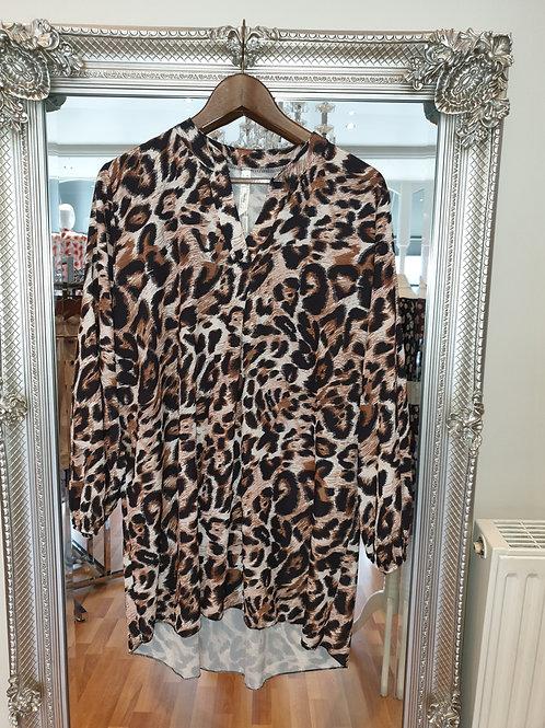Leopard print oversize shirt