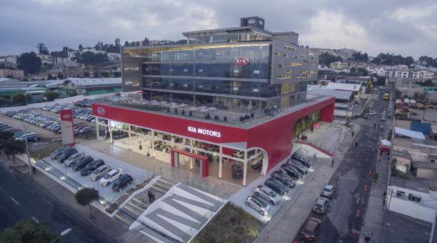 KIA inaugura el concesionario más grande de América Latina