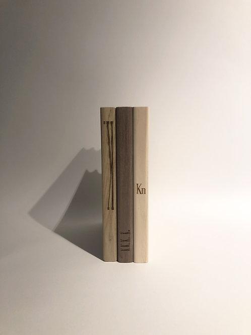 """KN industrie - """"Book"""" tagliere in legno"""