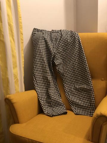 Pantalonii de izolare