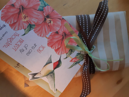 Vintage shop giftwrapping