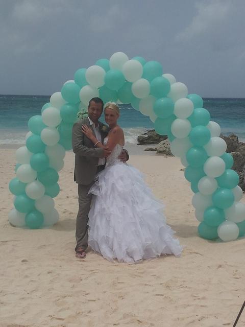 beach weddings Barbados balloons