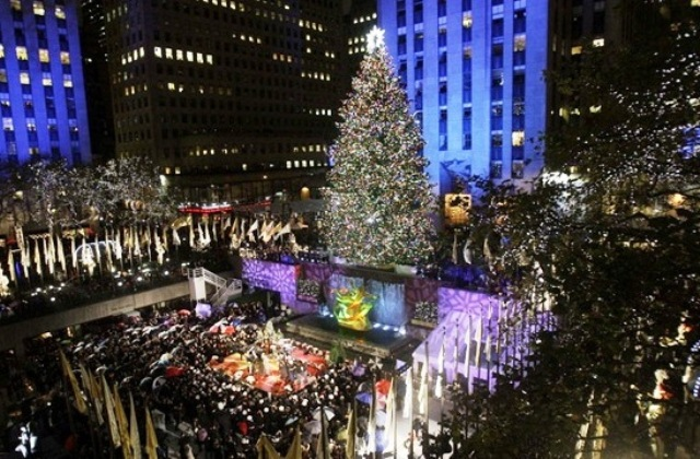 -Rockefeller-Center_Christmas-atmosphere_8323