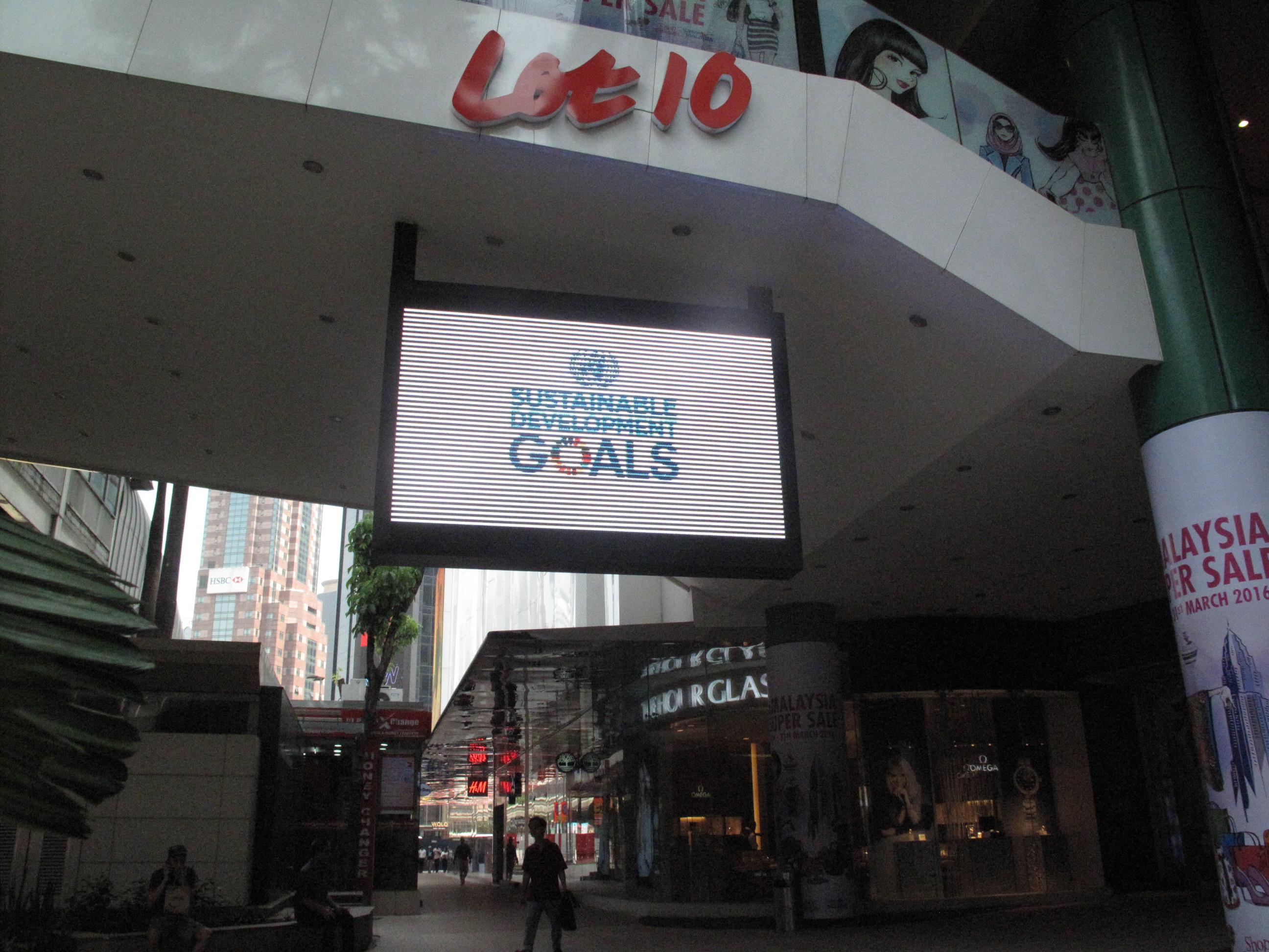 Lot 10 LED Screen