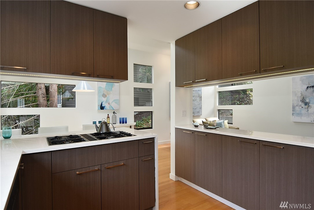 Kitchen refresh that helped sell the house in a tight market