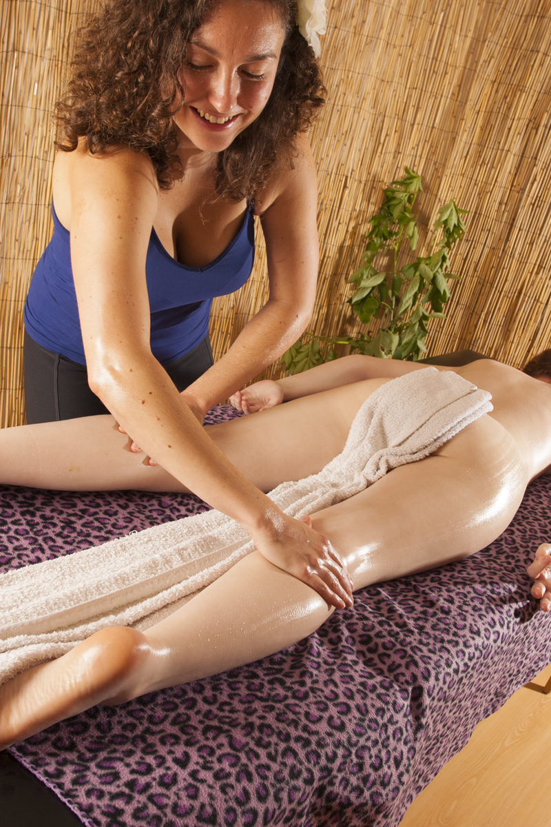 full body hot oil relaxing massage