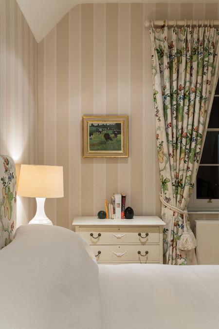 ab_standlake_29 guest bed at night.jpg