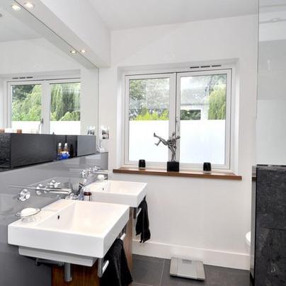 JILLA bathroom 5.jpg