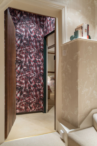 ab_standlake_18 tartan secret doorway.jp