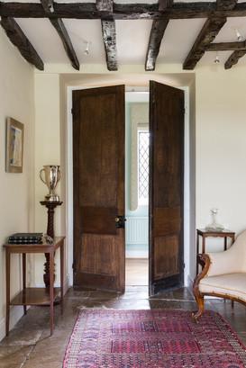 ab_standlake_22 dble doors to main entra