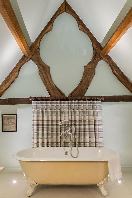 ab_standlake_16 best beams with bath.jpg