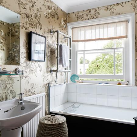 ab_grafton_low_res_18 girls bathroom.jpg