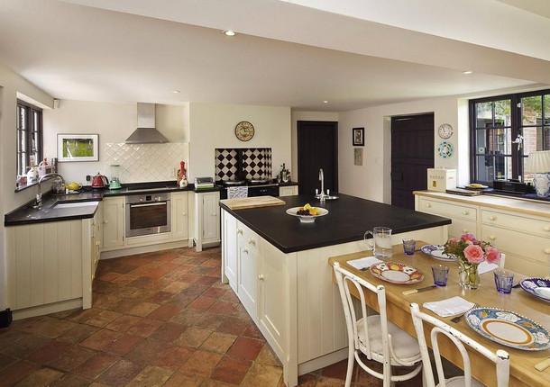 SUFFOLK-kitchen.jpg