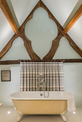 ab_standlake_16 best beams with bath.jpg