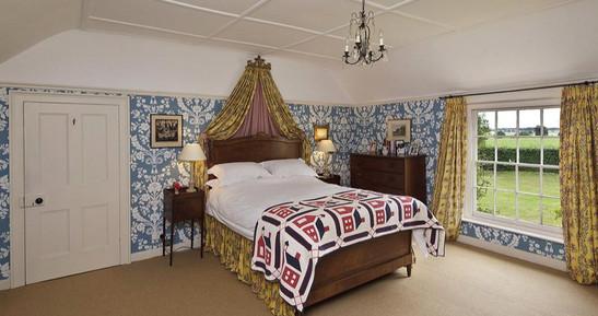 SUFFOLK-bedroom.jpg