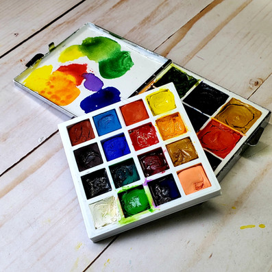 Watercolor Travel Palette 2.5 square x 1/2 inches. Hold 25 colors & 9 colors Thick