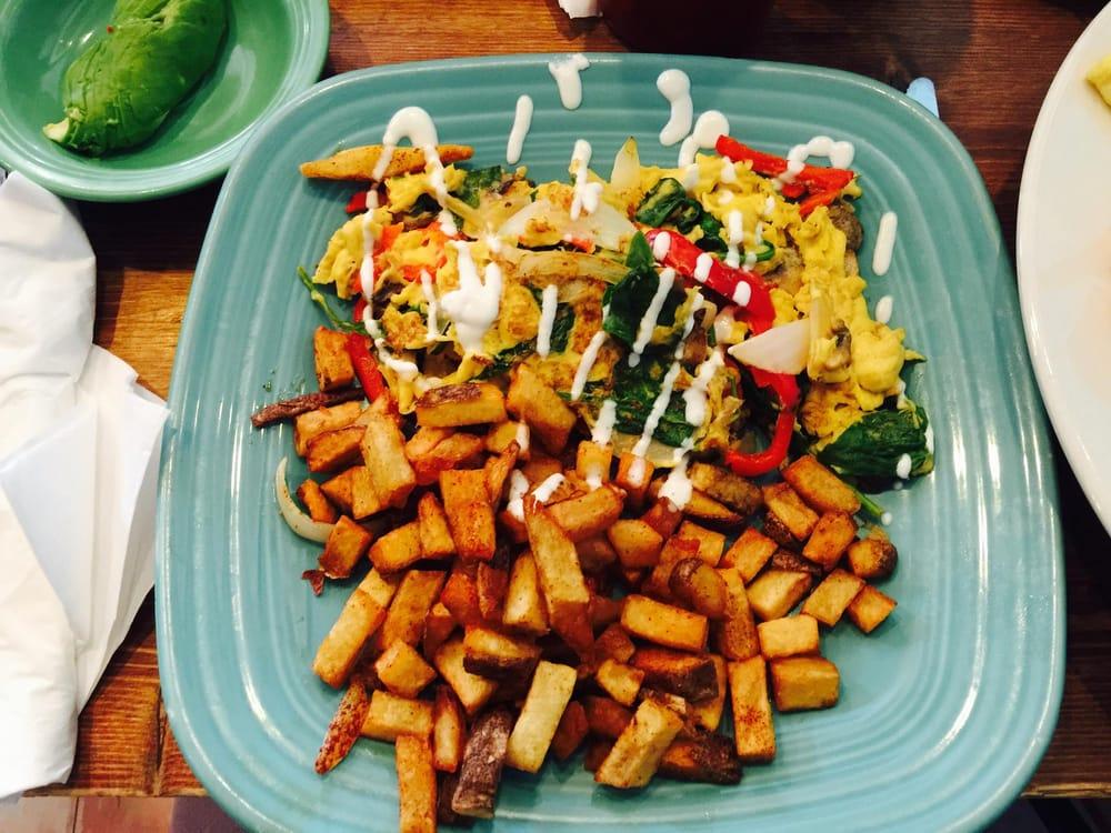 Food_Yelp_JaqlynneAndreaF
