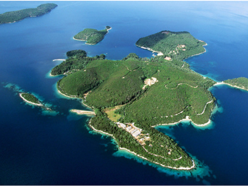 Skorpios Island Greece purchased by Ekaterina Rybolovleva for over $ 100 million.