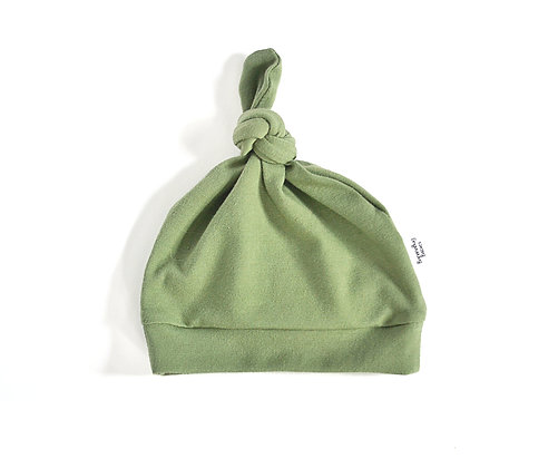Knot Hat in Moss