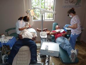 Dra. Karolina and USA hygientist Carol Deaner work together