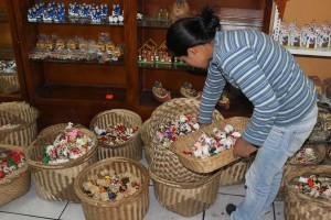 Ecuadorian town of Calderon known for masapon handicrafts