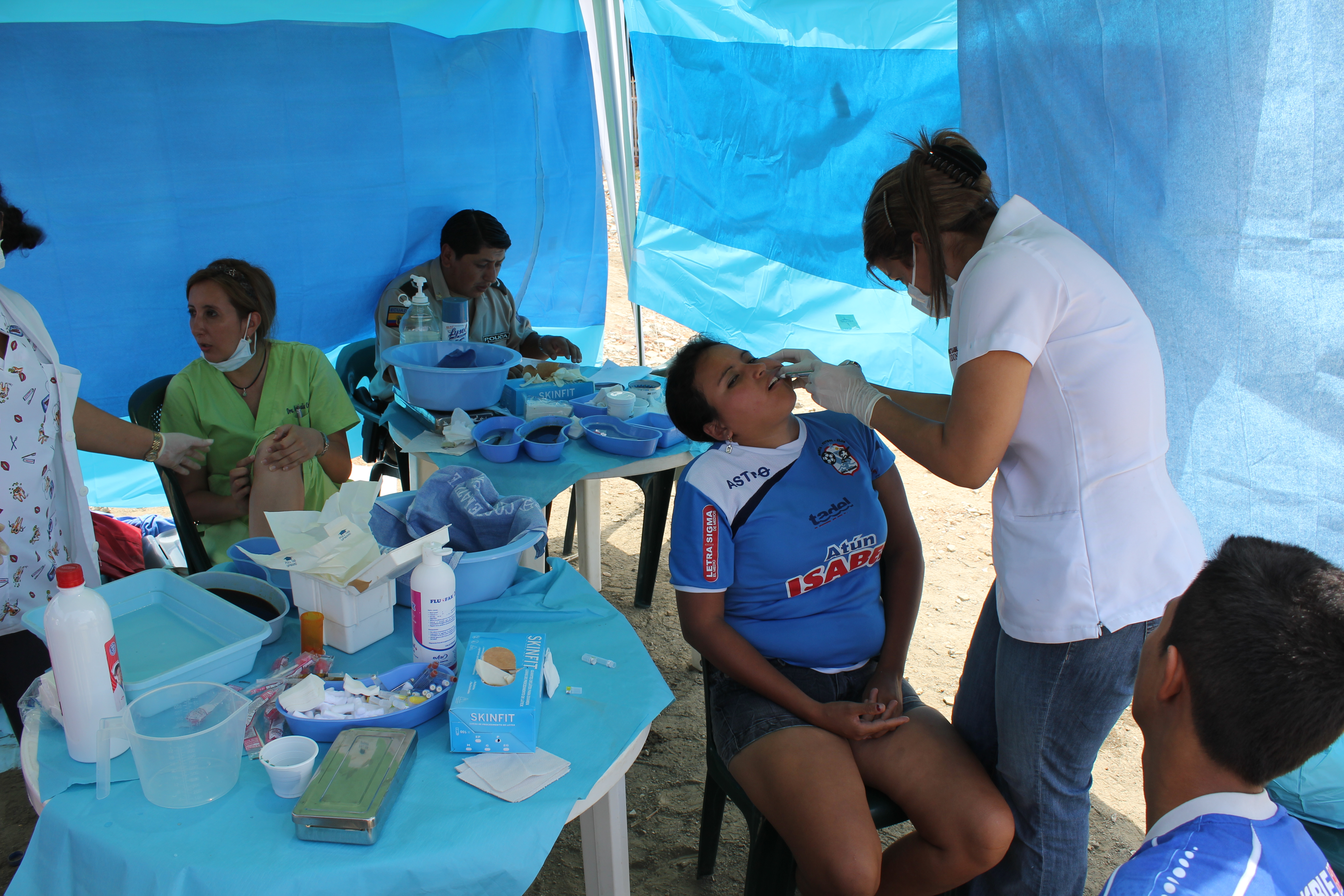 dental clinic at dump.JPG
