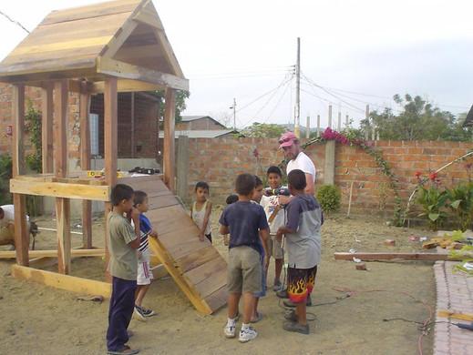 2005 U.S. construction team for clinic jungle gym