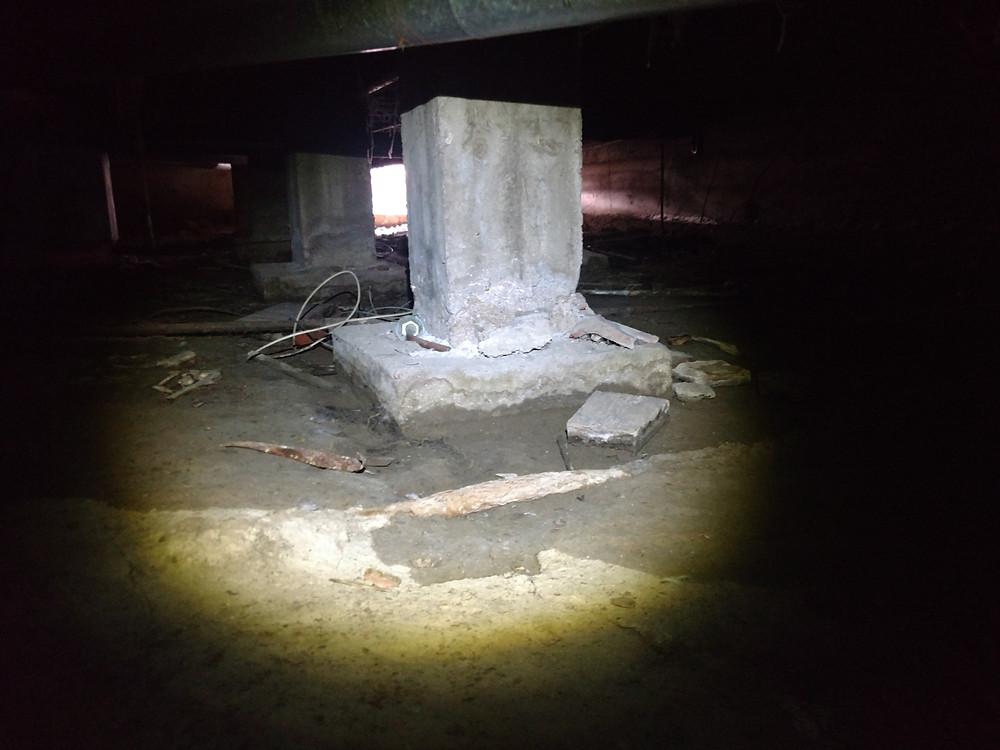 Crawlspace support pillar mud