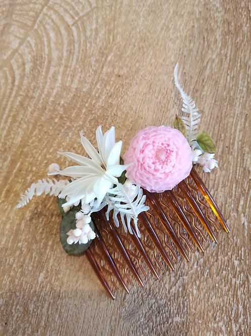 Peigne fleuri