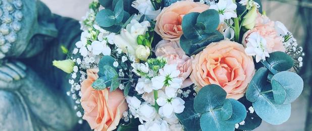 Bouquet de mariée pêche