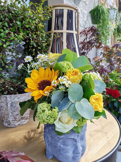Bouquet de fleurs blanc et jaune