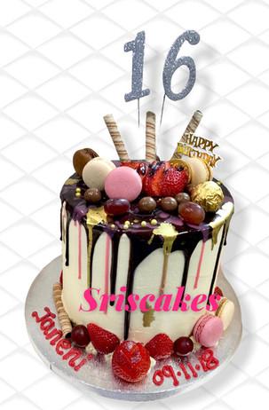 Dripping Cake 6.jpg