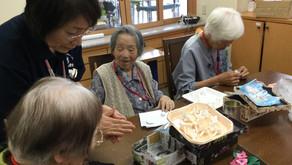手作業~紙粘土(紫陽花飾り)