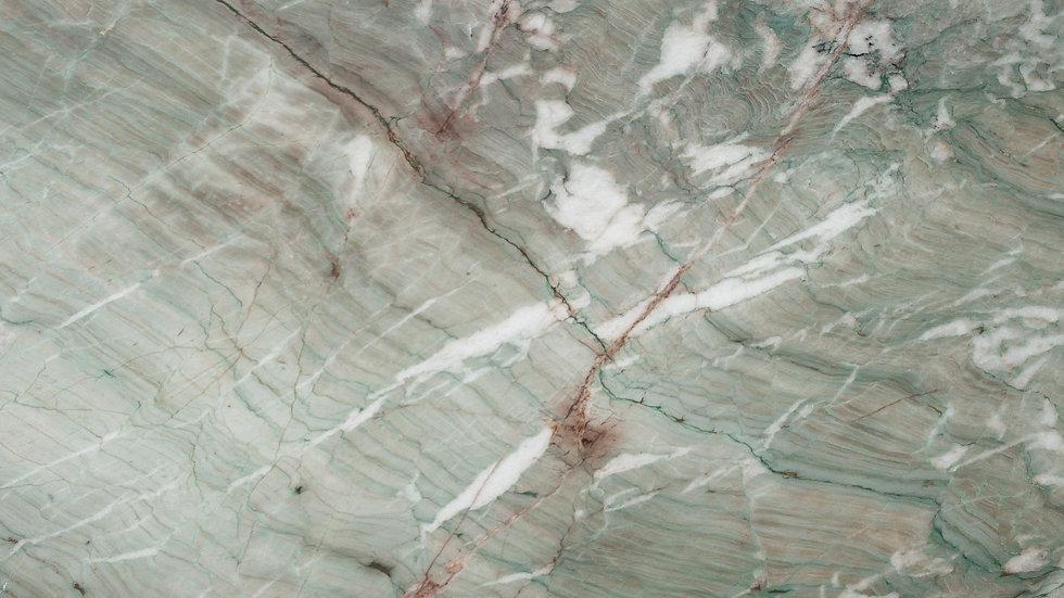 Alexandrita | Quartzite