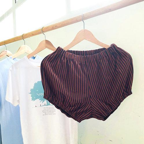YOGAŚĀLĀ Pune Shorts with Vertical Stripes
