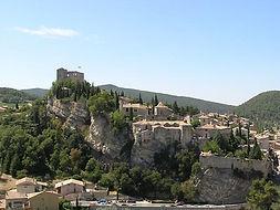 château médieval vaison la romaine