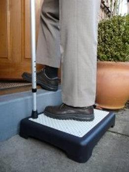 Roscoe Non-Slip Outdoor Step