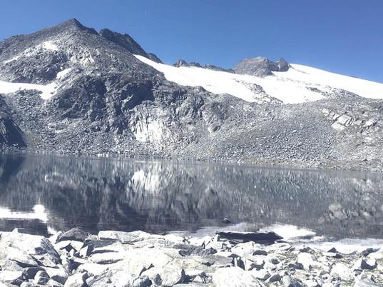 Kleinelend Schwarzsee mit Ankogel