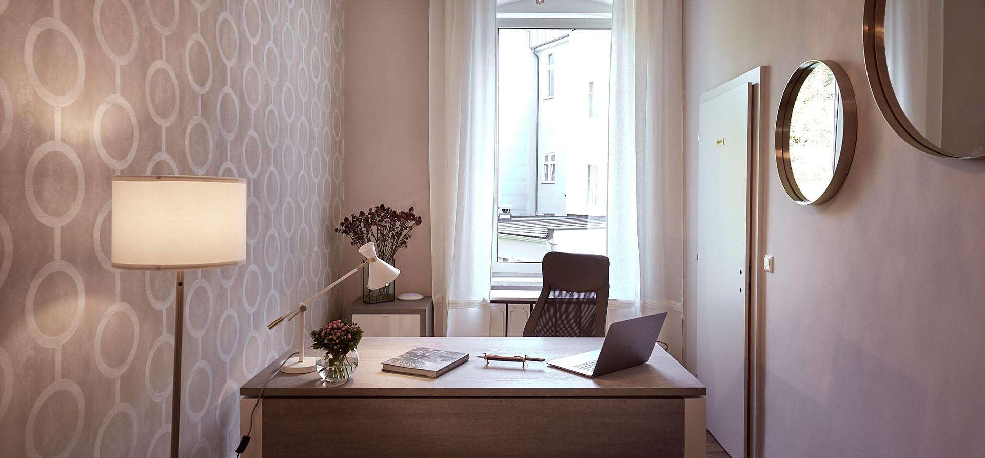 AlmuthBene_Office_Apothekenbüro_3.jpeg
