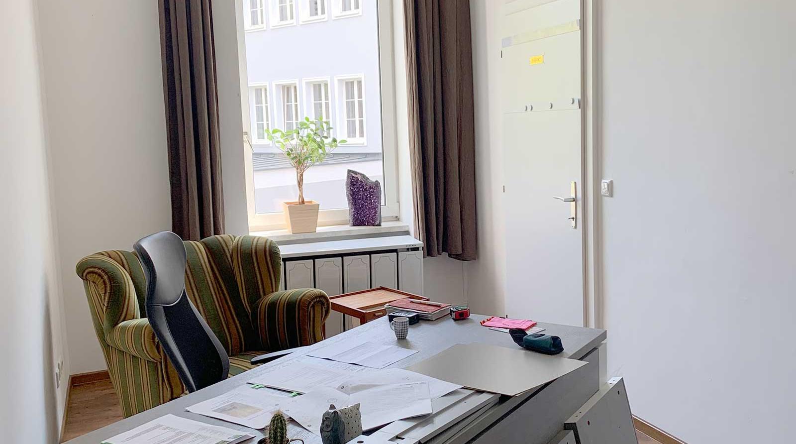 AlmuthBene_Office_Apothekenbüro_vorher
