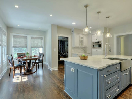 The Advantages and Disadvantages of a Kitchen Island