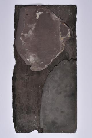 [Sculpture] Slate. 30x25x1cm. 2019.