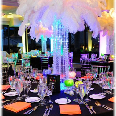 Full Feather Centerpiece