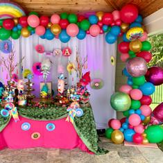 Birthday Organic Arch