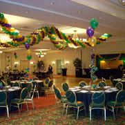 Mardi Gras Balloon Garland