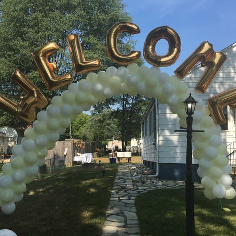 Balloon Arch with  Welcome Message