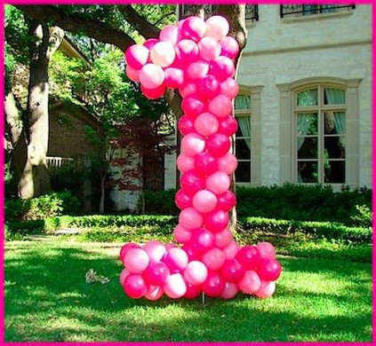 Yard Art balloons
