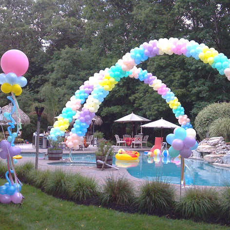 Back Yard Balloon Decor