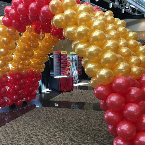 Cluster Arch Balloon Tunnel